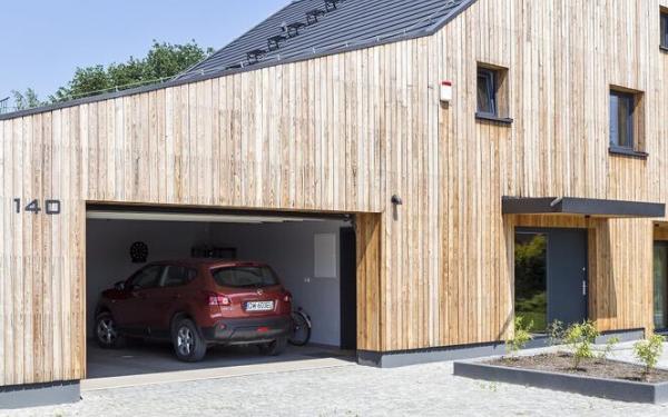 Garaż dwustanowiskowy - wygodne wymiary, dobór bramy, warianty rozwiązań